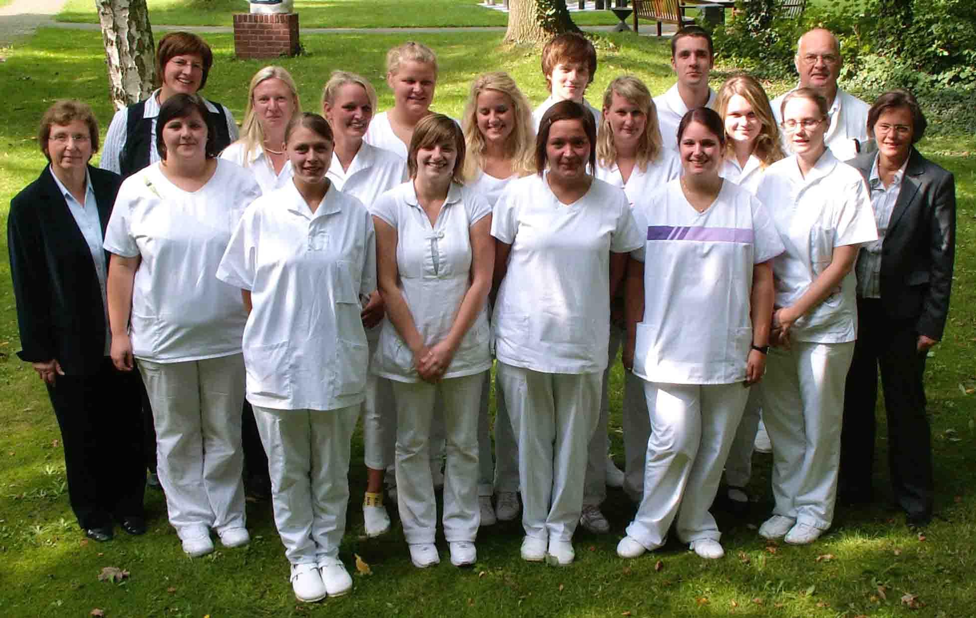 zahlreich in der Vielfalt für die ganze Familie einzigartiges Design Alle Schüler bestanden Gesundheits- und Krankenpflege-Examen ...
